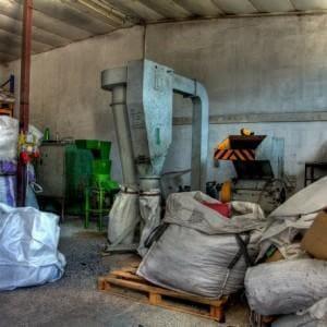 segregacja odpadów sztucznych